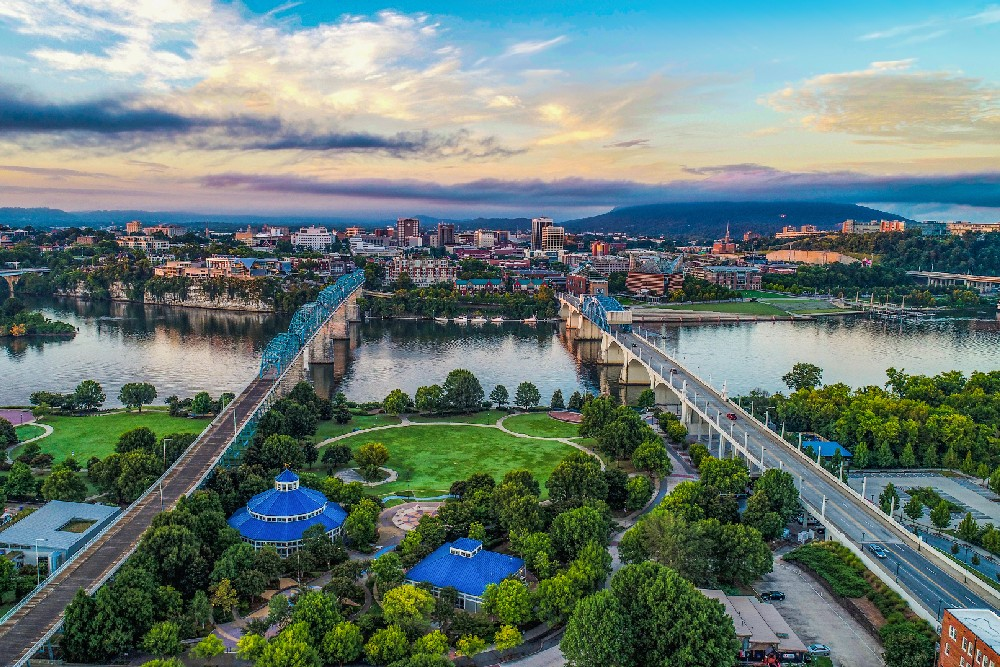 Chattanooga Tennessee bridges and city view