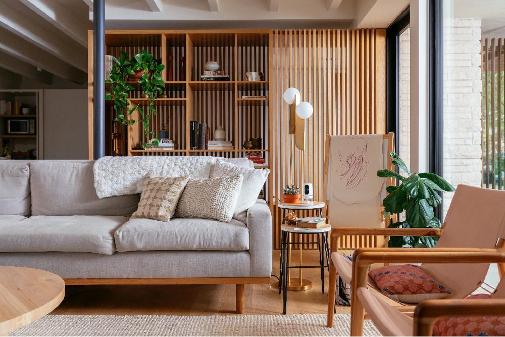 living room vivint indoor camera
