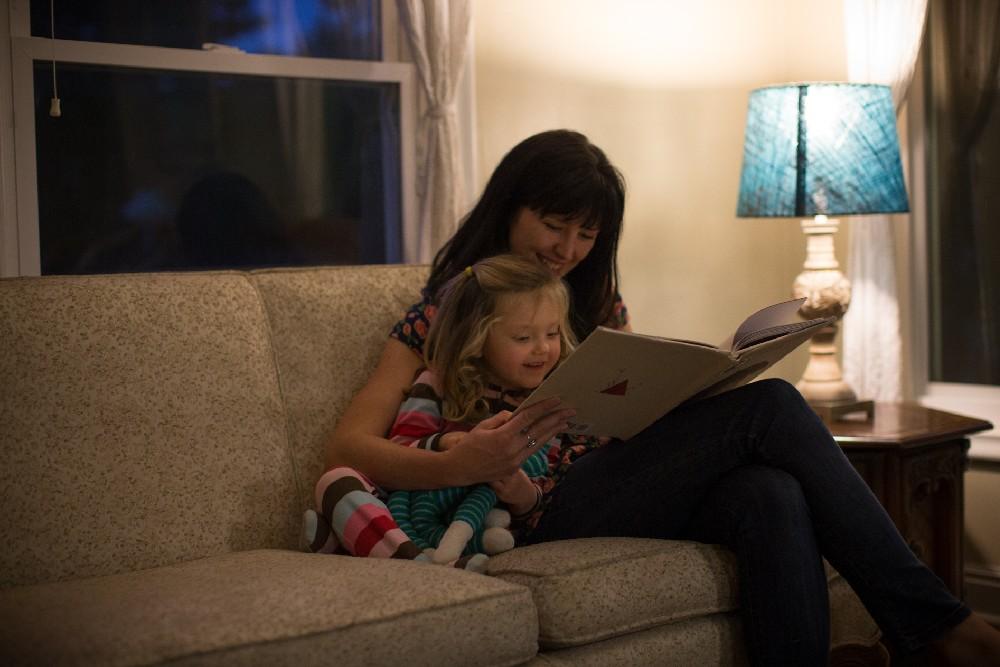 philips hue lighting mom daughter reading
