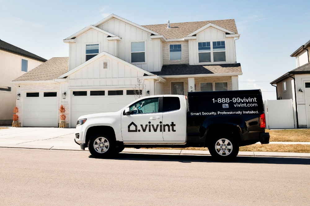 vivint truck in front of house