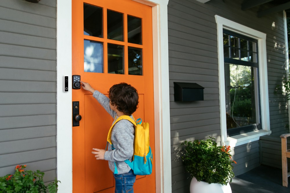 delivery man vivint doorbell camera