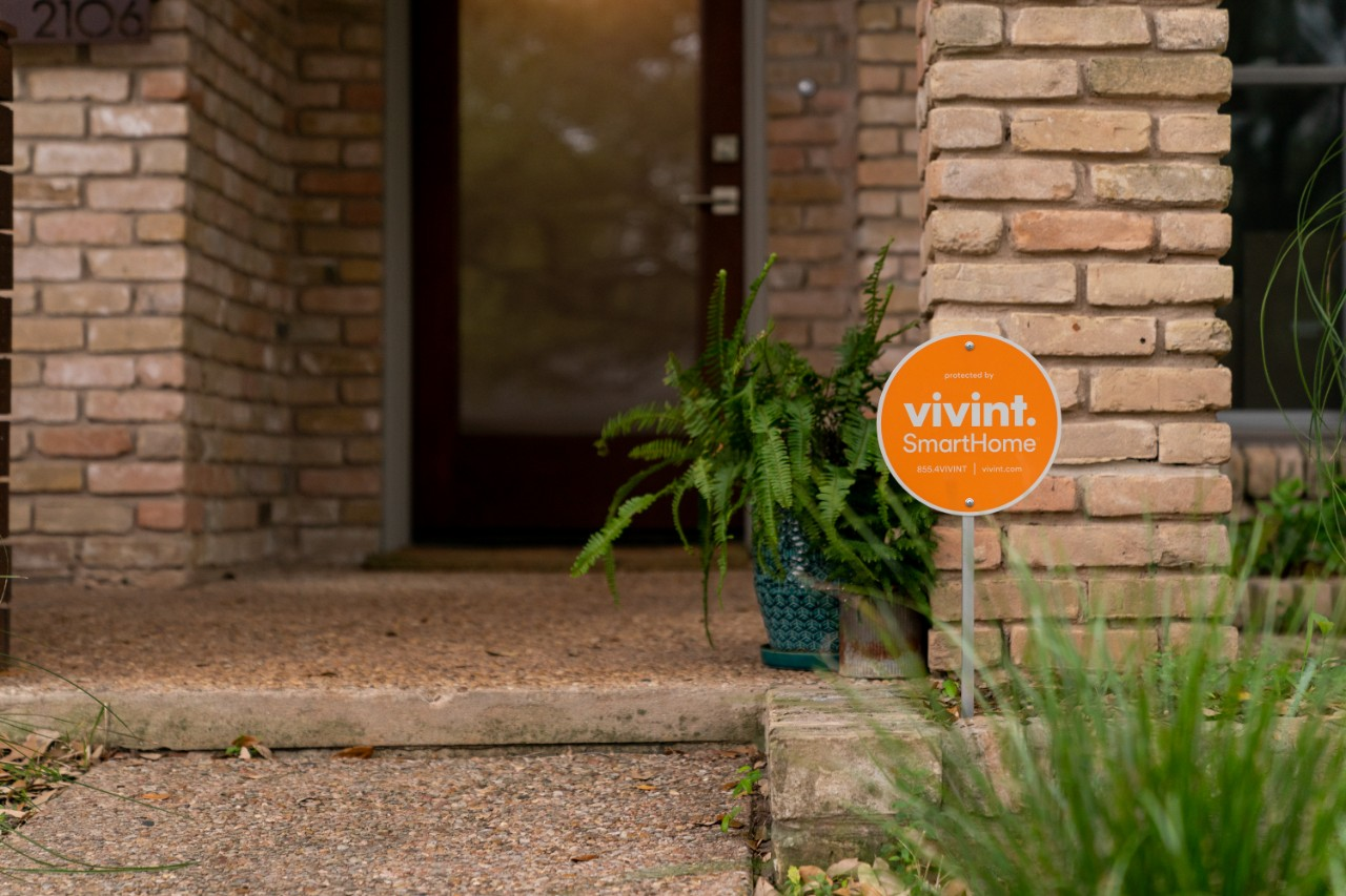 vivint smart home sign